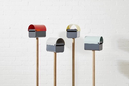 Curb Appeal: The Friendly TomTom Letterbox