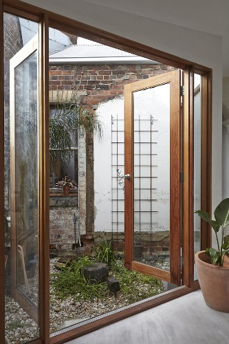 Architect Visit: The Magic of Two Courtyards in Melbourne