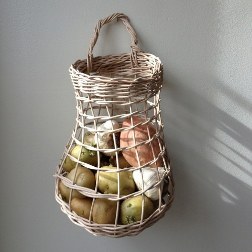 10 Easy Pieces: Onion and Garlic Baskets
