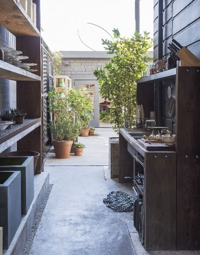 8 Favorites: Ultimate Outdoor Kitchens