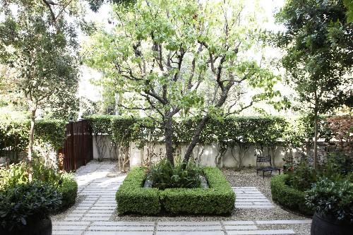The New Gravel Backyard: 10 Inspiring Landscape Designs - Gardenista