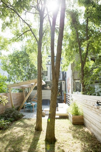"Landscape Designer Visit: A ""Showstopper"" Backyard in Brooklyn"