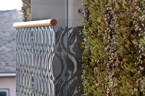 Vertical Gardens: The Greenest House in Venice, California