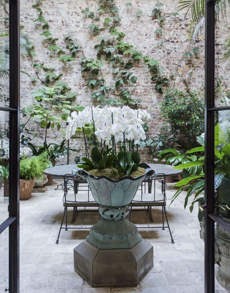 10 Garden Ideas to Steal from English Conservatories - Gardenista
