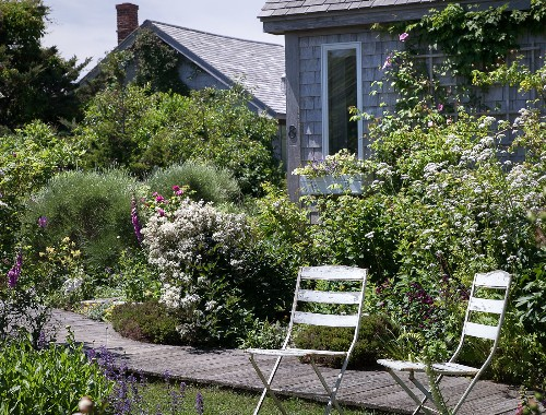 Landscaping Ideas: A Classic Cottage Garden on Cape Cod