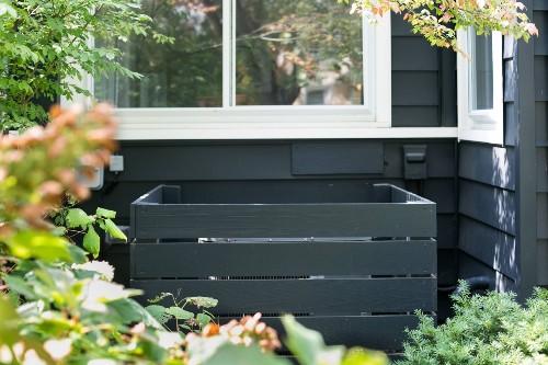 Garden Hacks: 10 Genius Ideas to Hide the Air Conditioner