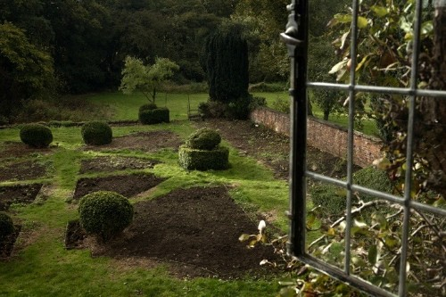 Rehab Diary, Part 3: Uncovering the Past in Nancy Lancaster's Garden at Wilderness House