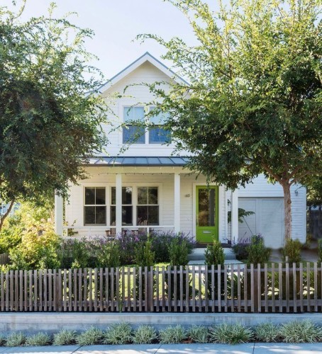 The New American Gothic: 11 Modern Farmhouses with Curb Appeal