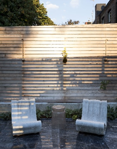 10 Easy Pieces: Outdoor Sculptural Lounge Chairs