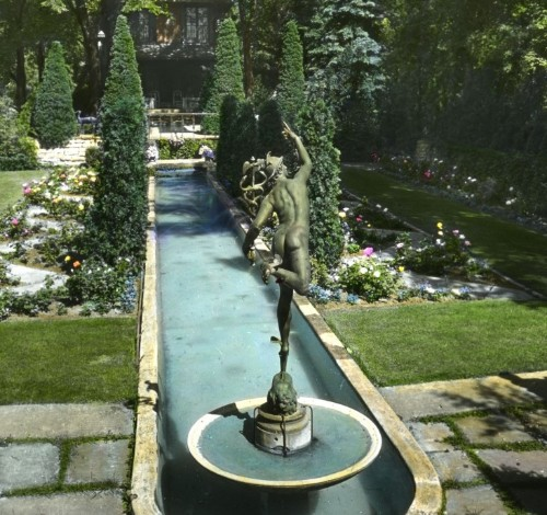 Great Garden Inventions: A Smithsonian Exhibit Traces the History of the Backyard