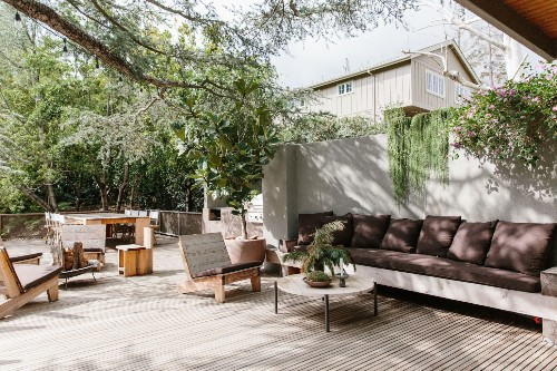 The New Outdoor Living Room: 10 Favorite Built-in Sofas for Decks and Patios