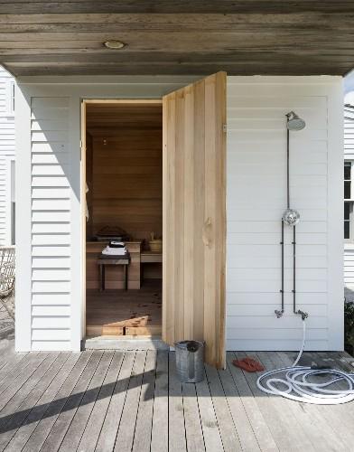Outdoor Showers: 20 Ideas for Bathing en Plein Air