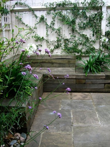 From the Gardenista Gallery: Intimate Gardens for Two