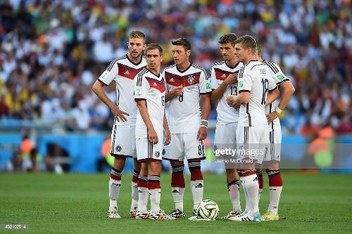 Christoph Kramer, Philipp Lahm, Mesut Oezil, Thomas Mueller, Toni...