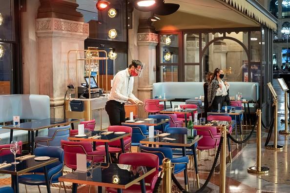 Coronavirus Emergency . The closure of the bars and restaurants at...