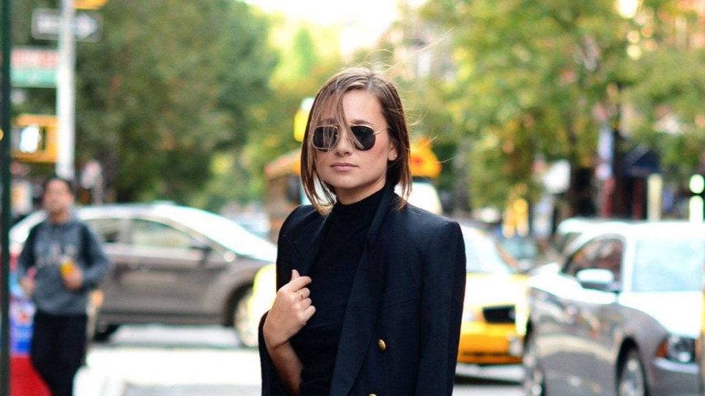 15 Incredibly Stylish Ways to Wear a Blazer This Fall