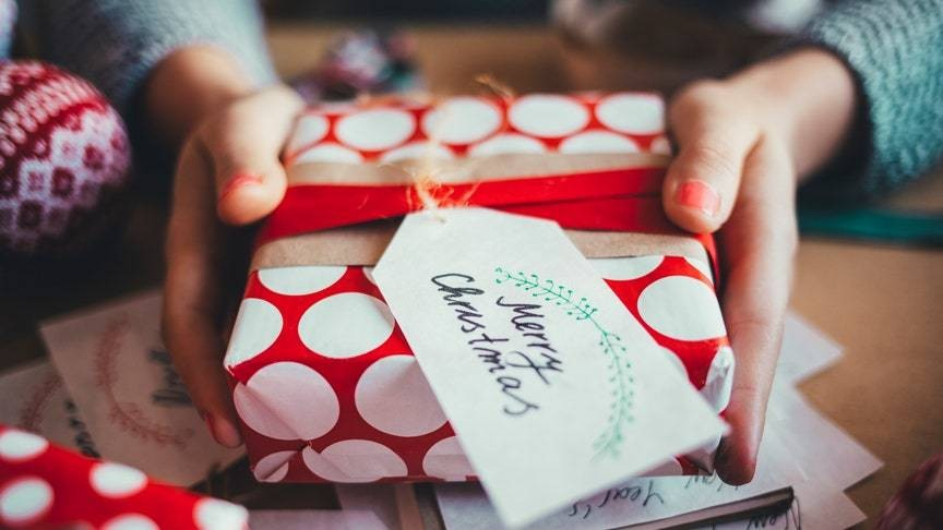 Here's How to Wrap a Gift in Just 15 Seconds