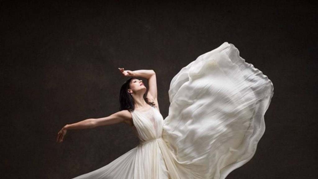 10 Photos of Ballerinas In Wedding Dresses Will Make You Want to Pirouette Down the Aisle