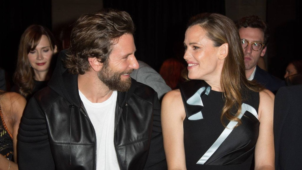 Jennifer Garner Hung Out With Bradley Cooper Amid Rumors of a Split With Her Boyfriend