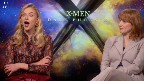 Watch Sophie Turner Realize the 'Game of Thrones' Ending Was Hidden in a Season 1 Poster