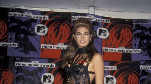 10 Awesomely '90s Outfits From the First MTV Movie Awards