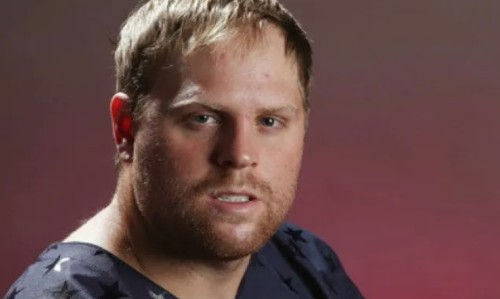 Phil Kessel wins entire arena Big Macs, is an American hero