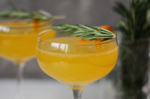 9 Festive Champagne Cocktails That Won't Give You a Nasty Hangover
