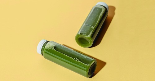 """Will Celery Juice Help You Lose Weight? Let's Unpack This """"Wellness"""" Trend"""