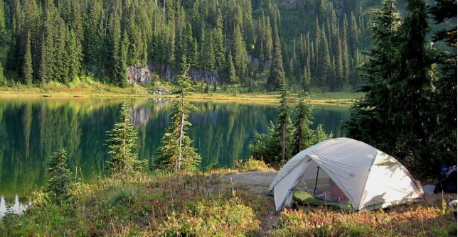 11 Powerful Life Lessons I Learned From Camping in the Woods