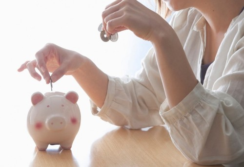 The 8 Best Tools to Help You Save Money (Even If You Don't Make Much)