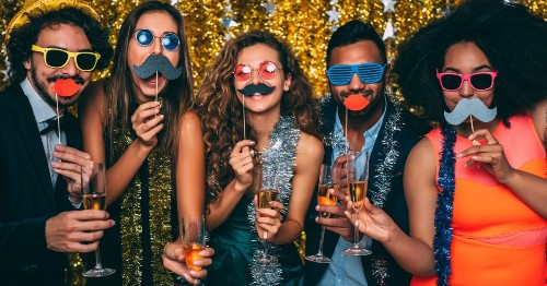 How to Be the Most Awesome Wedding Guest Ever