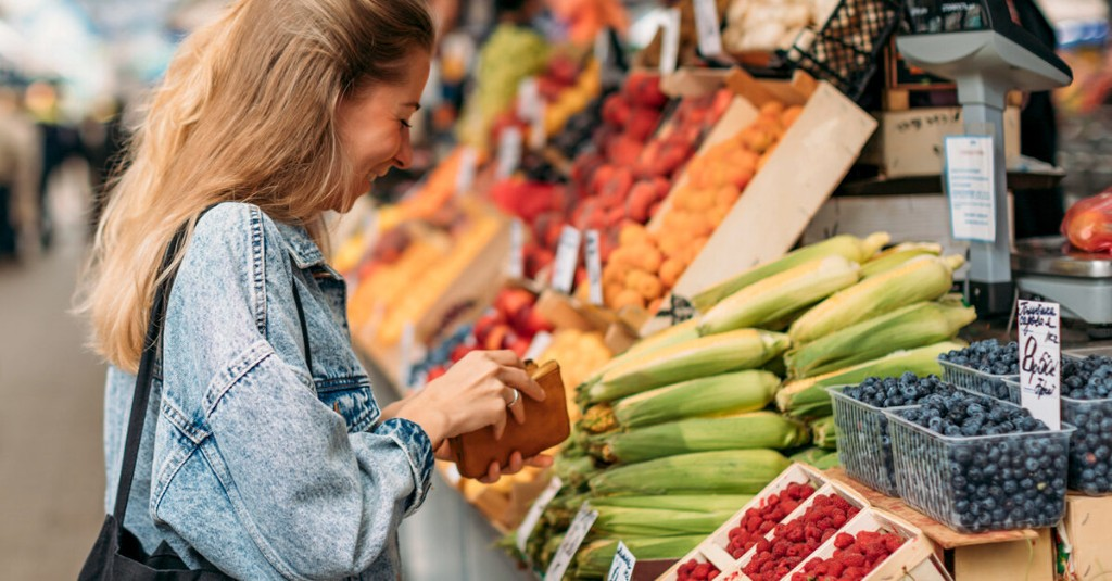 13 Antioxidant-Rich Foods to Grab on Your Next Grocery Run