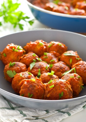 9 Vegetarian Meatball Recipes Because Vegballs Should Be a Thing