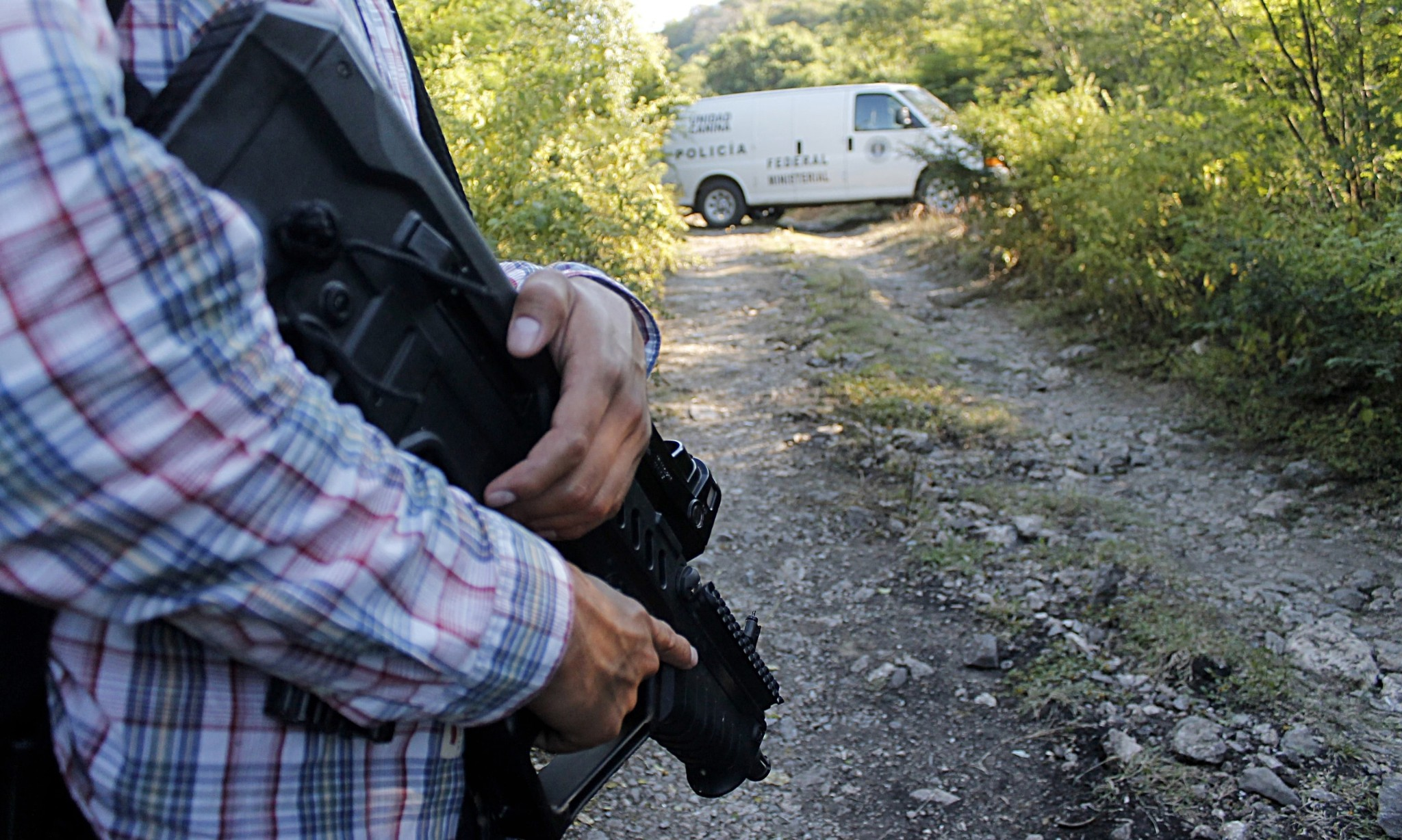 Mexico: officials searching for 43 missing students find human remains