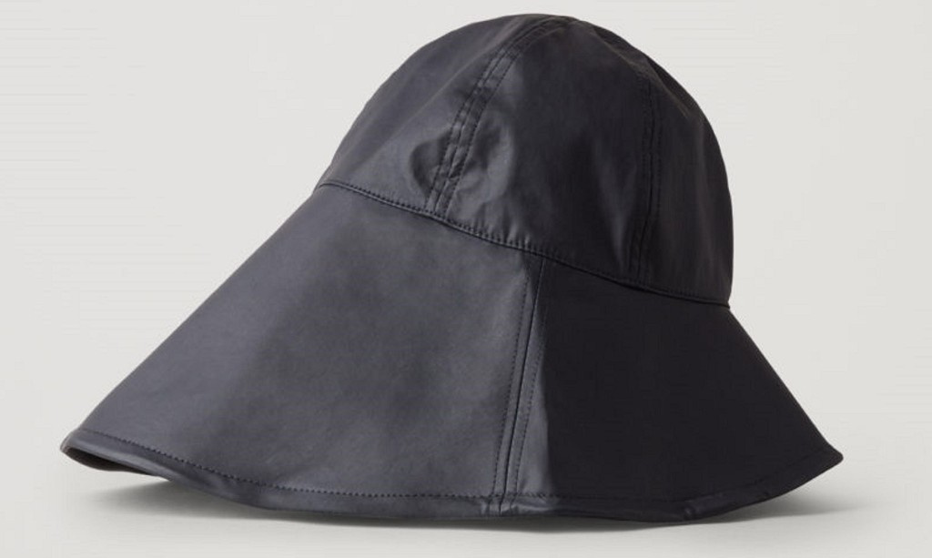 From rain hats to Rishi Sunak: this week's fashion trends