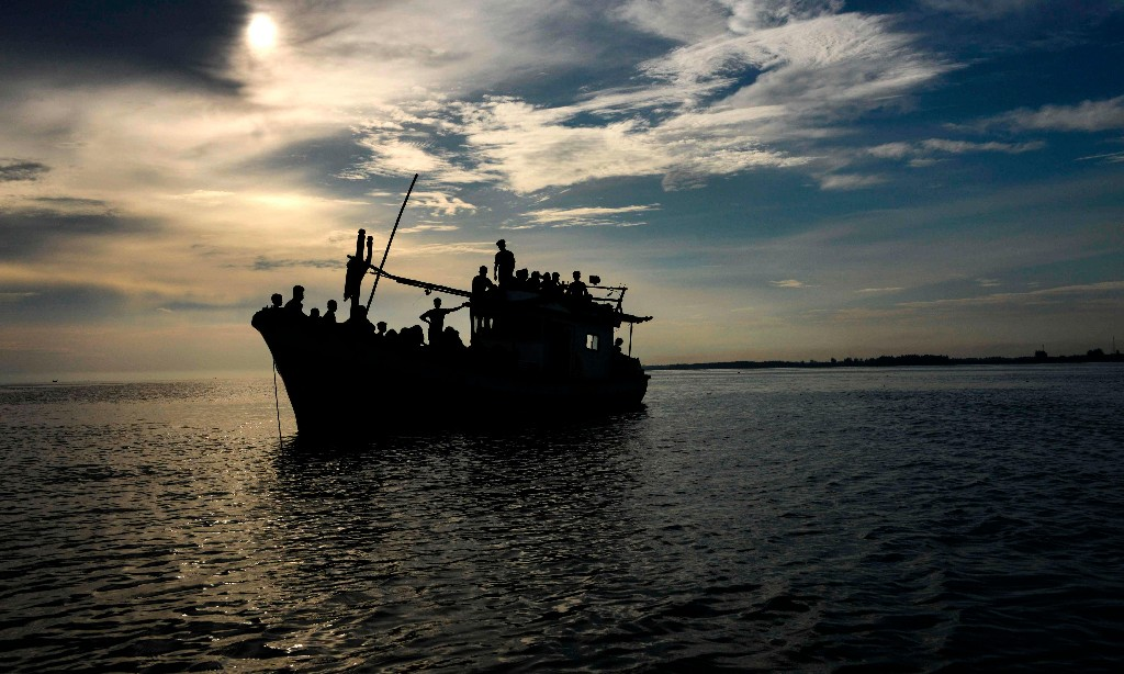 Search launched for 24 Rohingya refugees missing off Malaysian island