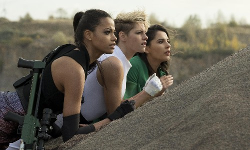 Charlie's Angels review – ramshackle action reboot goes at half throttle