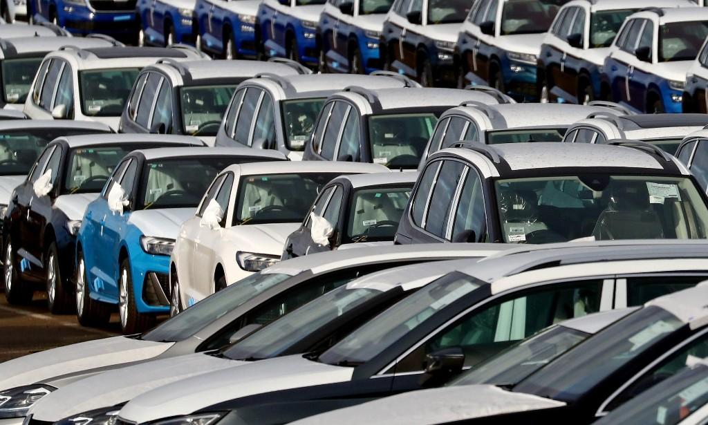 New car sales in UK plunge by 44% as coronavirus bites