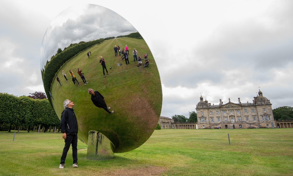 Anish Kapoor says art gallery 'tokenism' with diversity must end