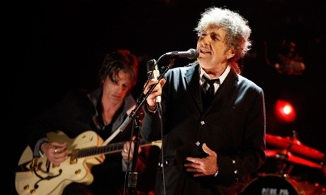 Bob Dylan review – relaxed, mellifluous and wholly intelligible