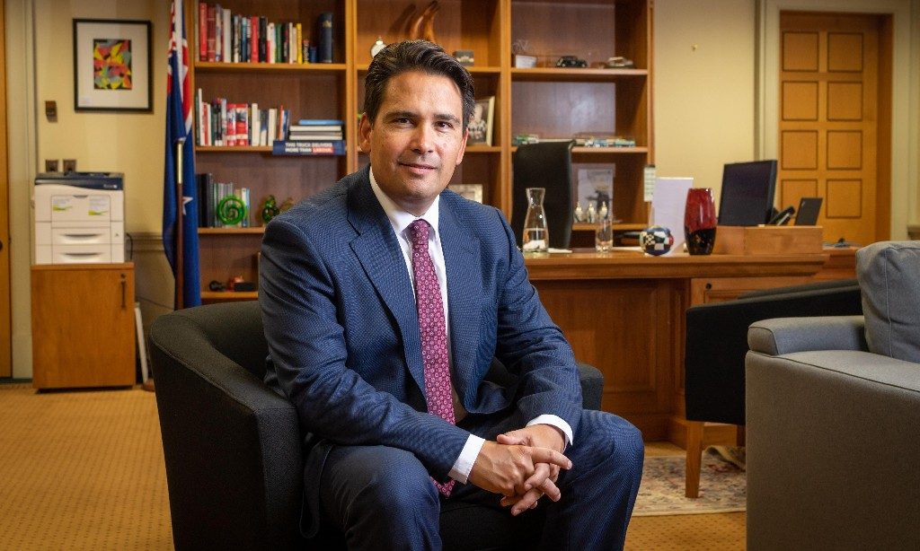 Simon Bridges, the former prosecutor who faces his greatest trial against 'nice person' Ardern