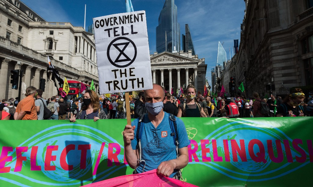 Extinction Rebellion launches campaign of financial disobedience