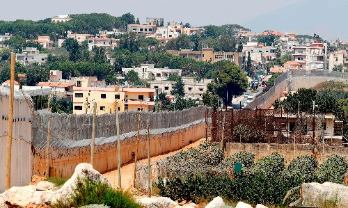 Israel deploys mannequin soldiers on border with Lebanon