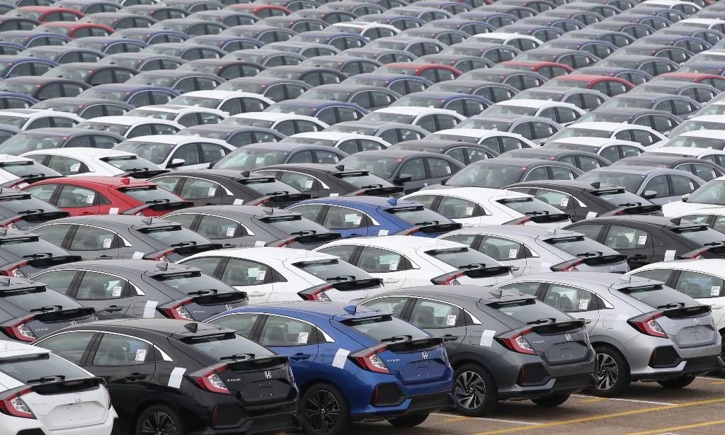 Fears of crisis in UK car finance market as owners seek payments help