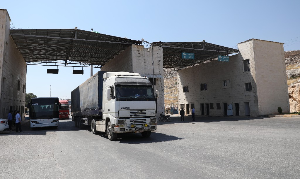 UN restarts Syria cross-border aid but with only one access point