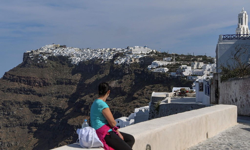 Sun, sea, safety: Greece woos Europe's pensioners with 7% income tax rate