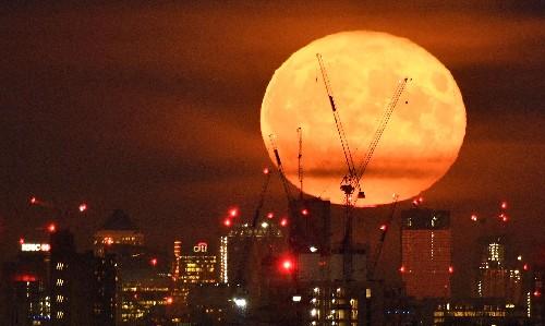 World economy is sleepwalking into a new financial crisis, warns Mervyn King