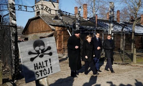 Angela Merkel speaks of 'deep shame' on first visit to Auschwitz