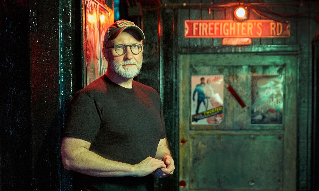 Bob Mould, alt-rock's gay icon, takes on American evil: 'My head's on fire!'