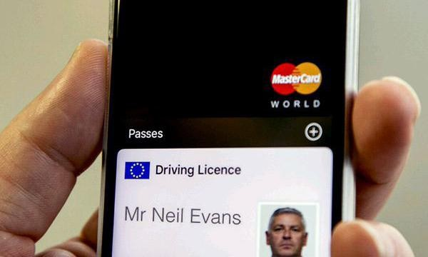 Driving licences could be on phones by 2018